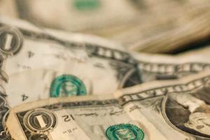 民间商业服务融资主要有哪些形式?存在哪些问题?